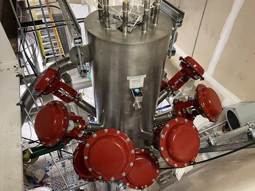 Cryogenic Valves and Custom Manifolds 2